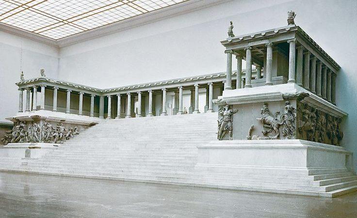 Altar-Zeus-Pergamon-Pergamum-Berlin-1-736x450